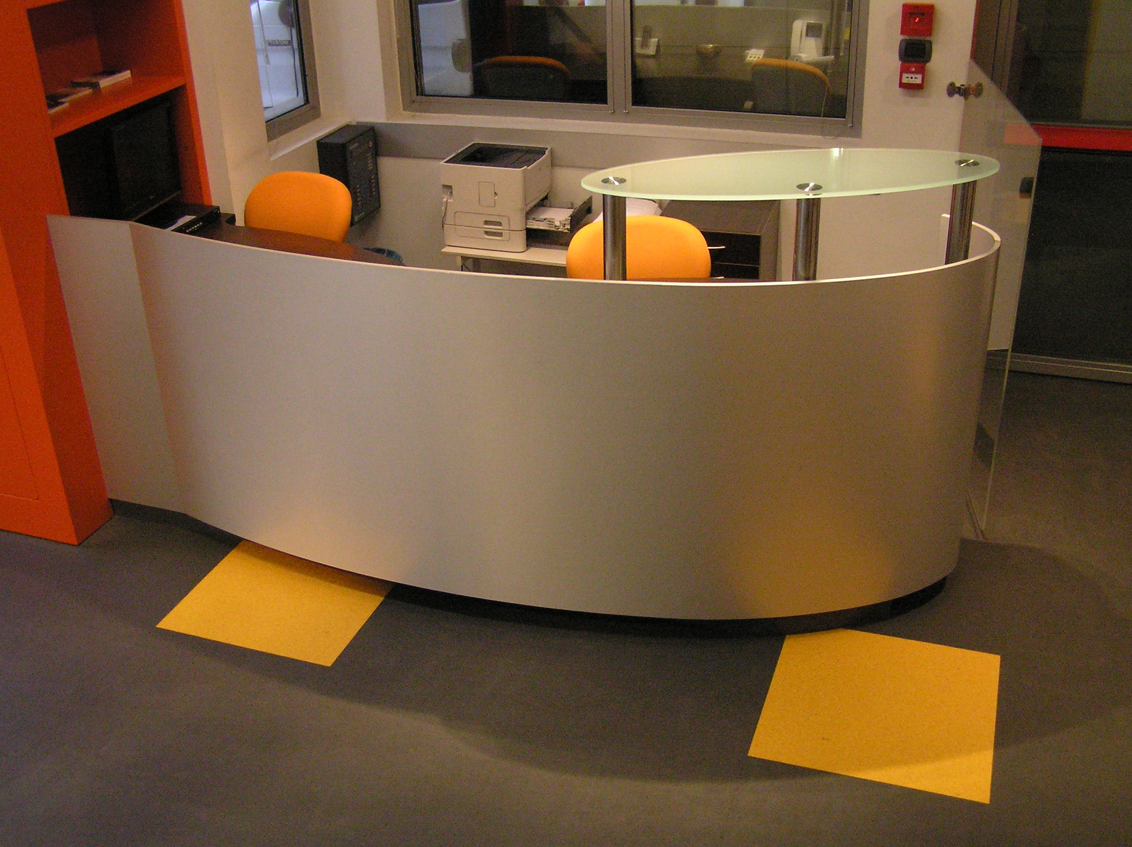 Reception Ufficio Legno : Reception ufficio falegnameria legno arredo milano