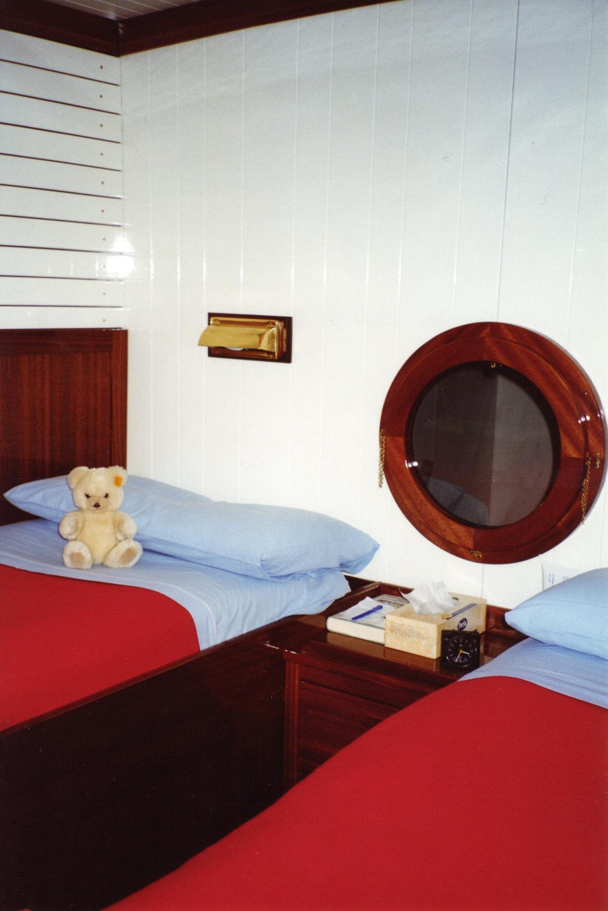Cameretta stile marina falegnameria legno arredo milano for Tessuti arredo stile marina